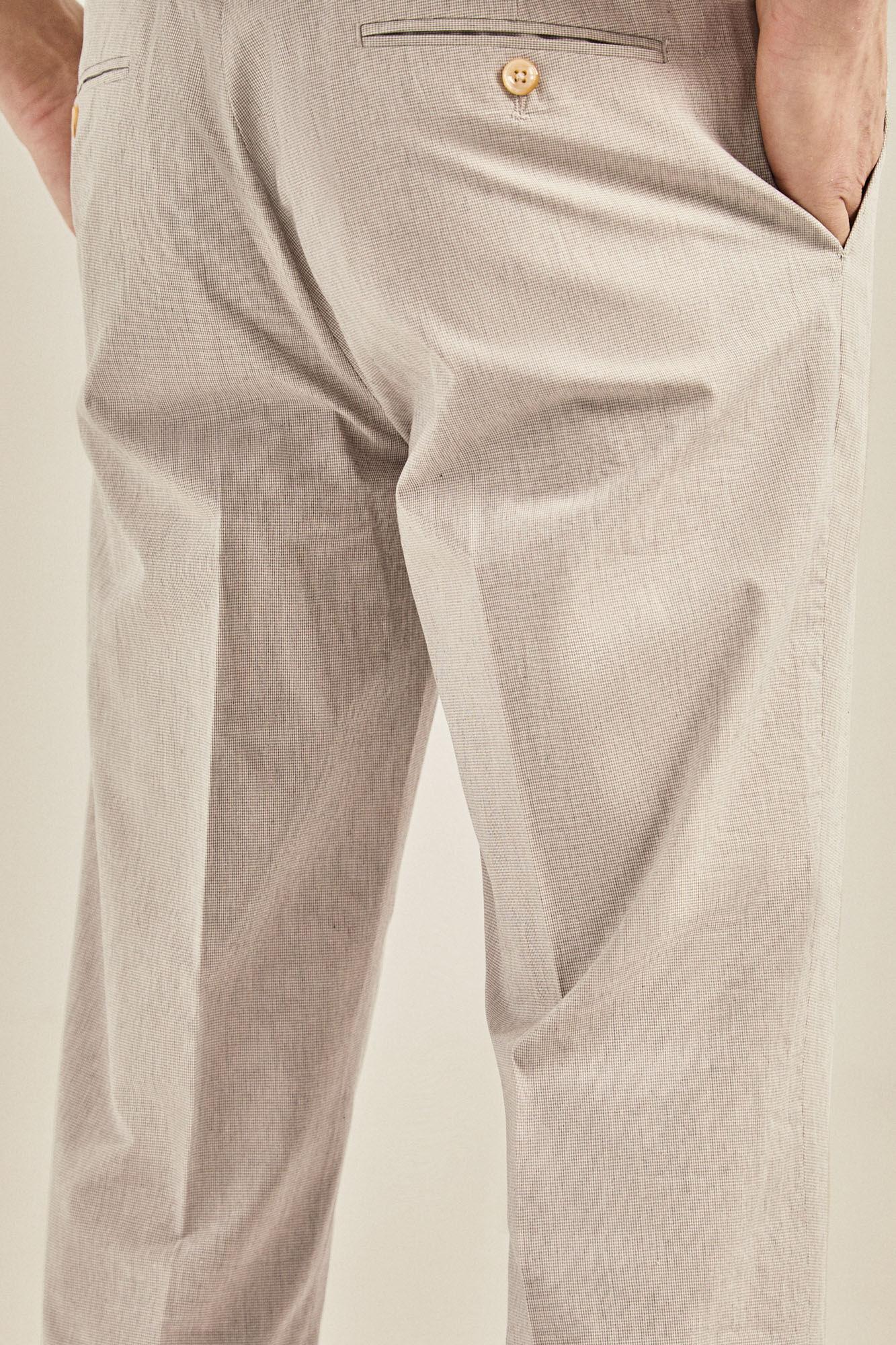 65fdf43bf0 Pantalón pata de gallo