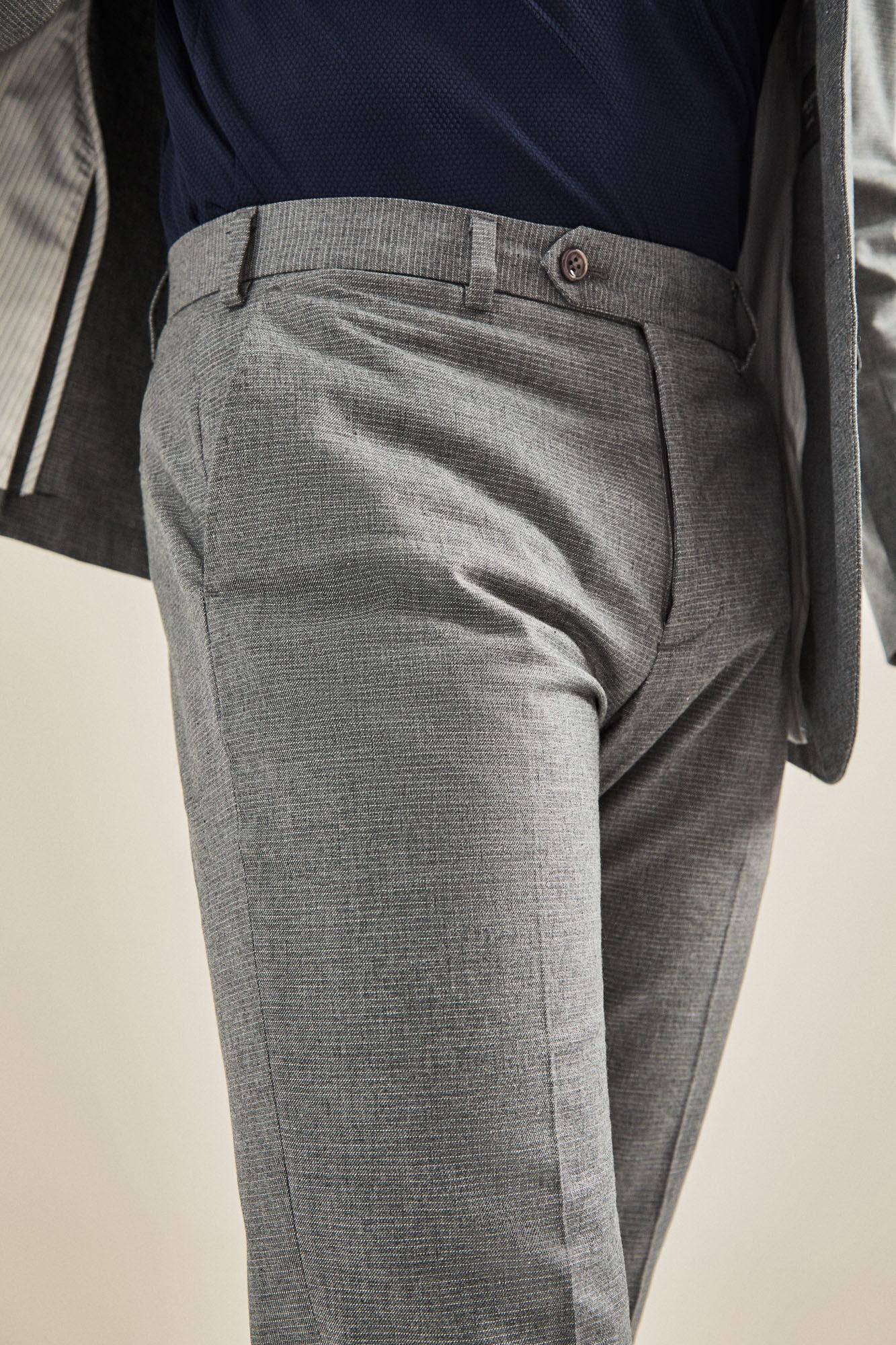 28b59d660 Pantalón traje raya horizontal