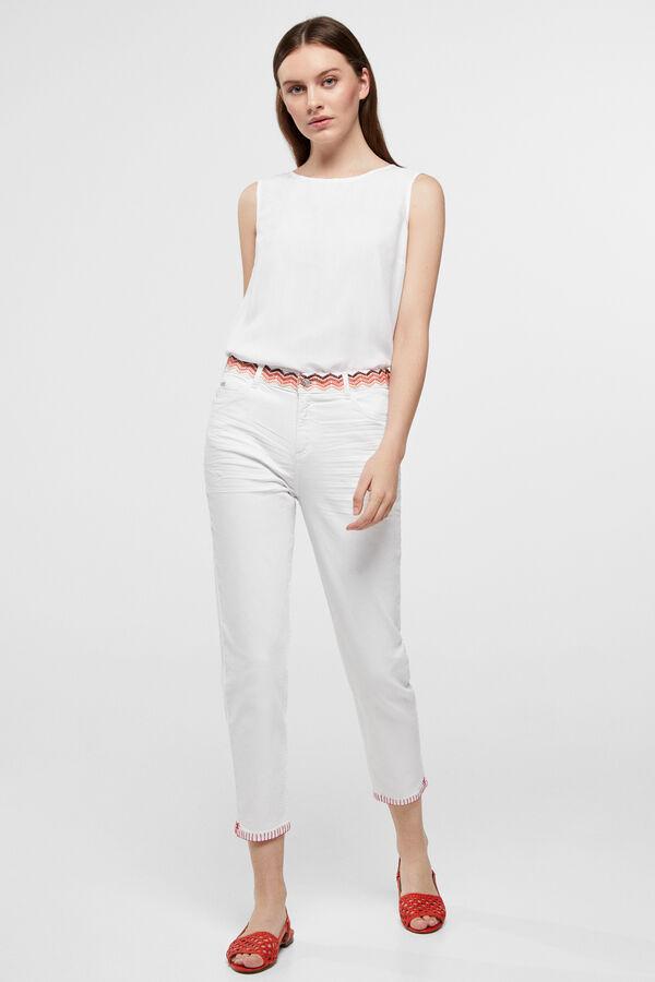 c6bda8a98c29 Cortefiel Jeans 5 bolsos Branco