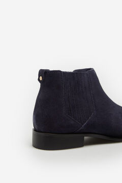Cortefiel Flat Chelsea leather ankle boots Navy