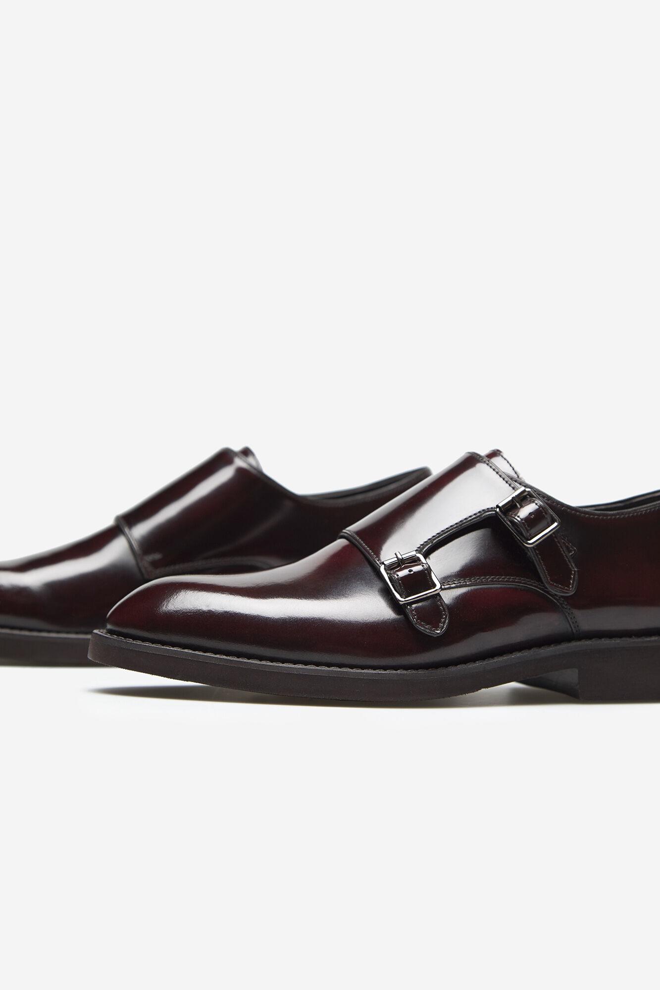 Sapato vestir 2 fivelas sola em borracha | Sapatos | Cortefiel