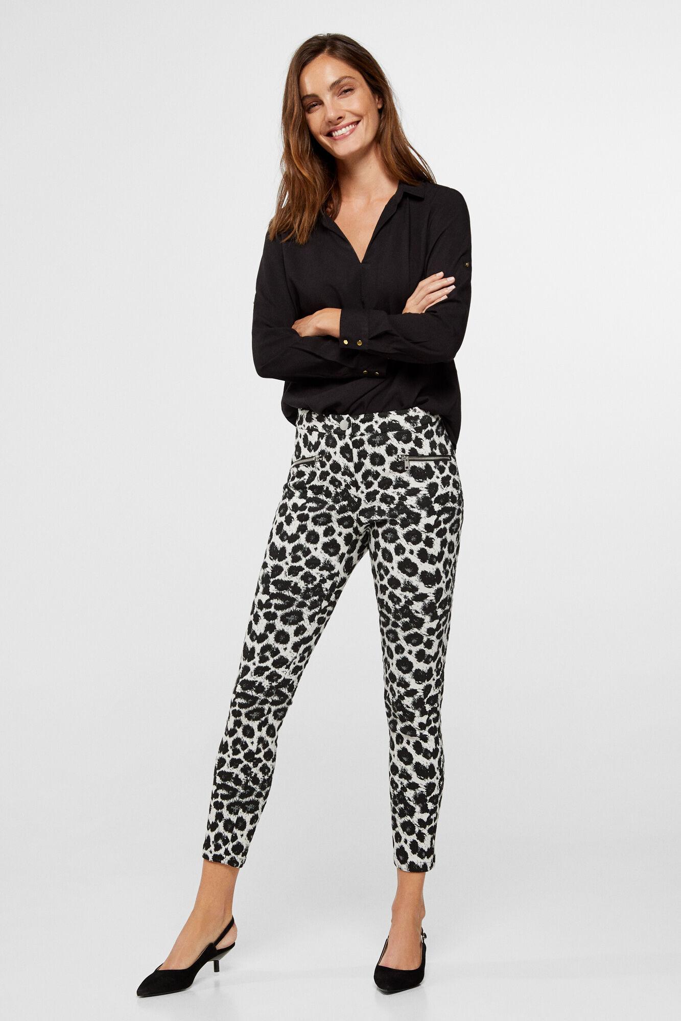 nueva estilos bb78a 71851 Pantalón de jacquard de leopardo   Trousers   Cortefiel Man & Woman