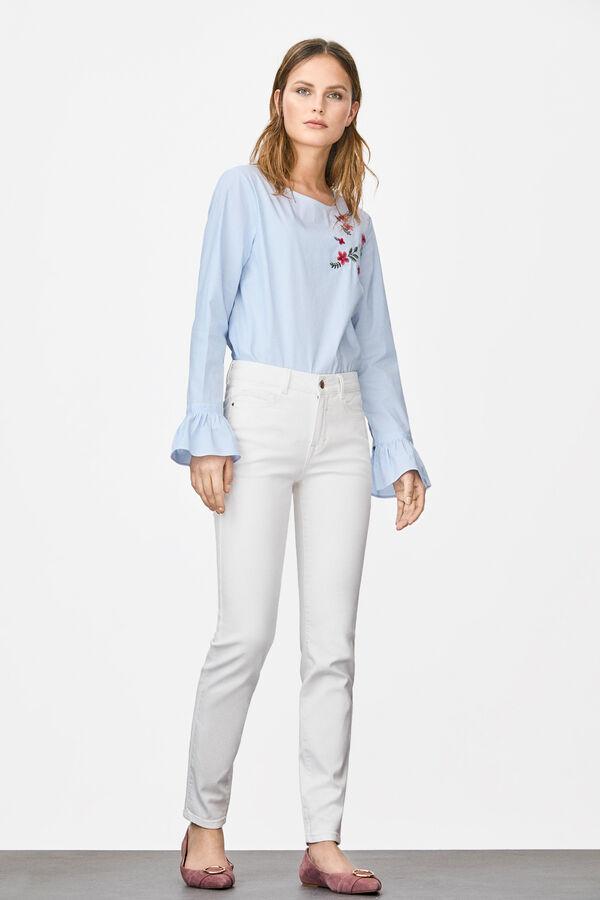 a12b564873 Cortefiel Jeans pitillo fit Blanco