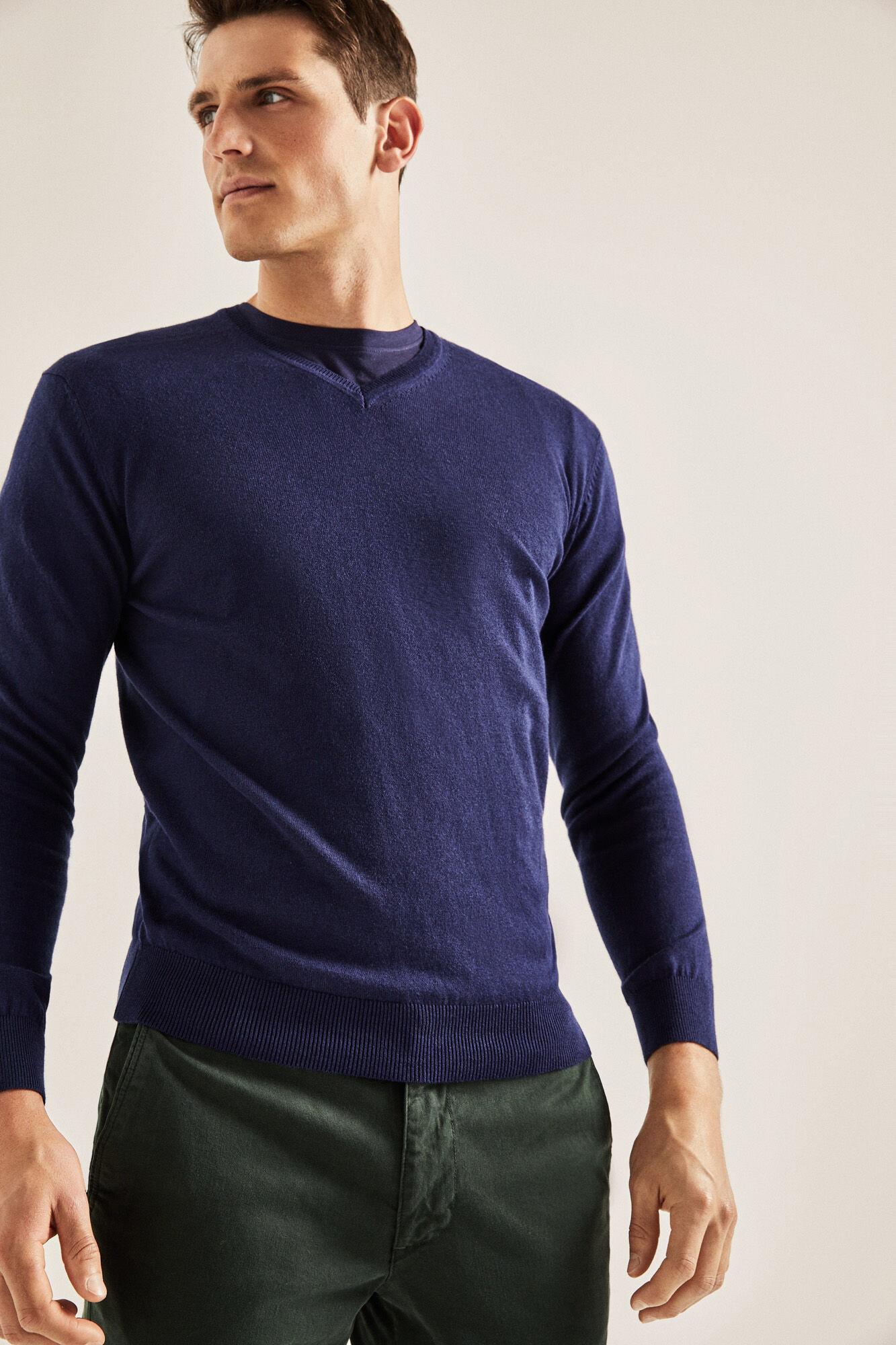 6992a5b2e5 V-neck jumper