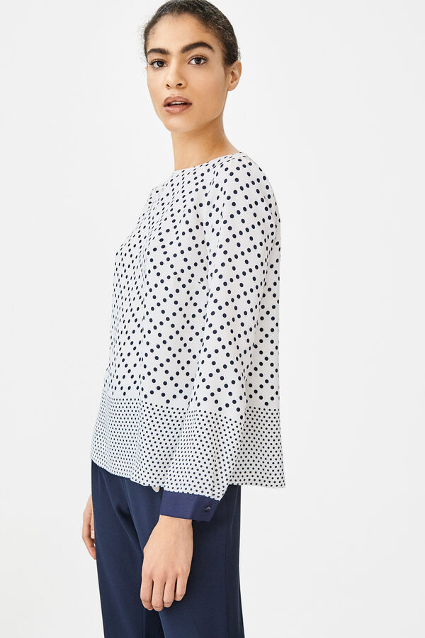 63ccd7ea Women's blouses and shirts | Cortefiel